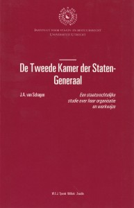 De Tweede Kamer der Staten-Generaal; een staatsrechtelijke studie over haar organisatie en werkwijze. Diss.