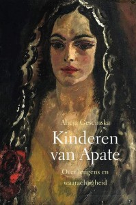 Kinderen van Apate Display met 10 exemplaren essay Maand vd Filosofie 2020