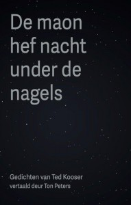 De maon hef nacht under de nagels