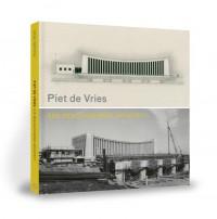 Piet de Vries - Een beeldhouwend architect